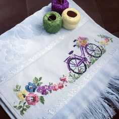 1 million+ Stunning Free Images to Use Anywhere Embroidery Applique, Cross Stitch Embroidery, Embroidery Patterns, Cross Stitch Patterns, Small Cross Stitch, Cross Stitch Kitchen, Lace Beadwork, Free To Use Images, Fabric Painting