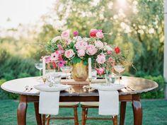 Pink and gold wedding table: http://www.stylemepretty.com/arizona-weddings/paradise-valley/2015/01/13/colorful-desert-inspiration-shoot/   Photography: Daniel Kim - http://danielkimphoto.com/