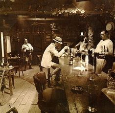 """The 12 Variant Covers of Led Zeppelin's """"In Through the Out Door"""""""