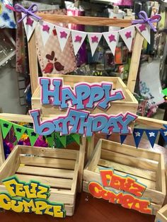 Diy Birthday, Birthday Cards, Birthday Gifts, Diy Bouquet, Candy Bouquet, Ideas Para Fiestas, Party In A Box, Chocolate Gifts, Flower Boxes