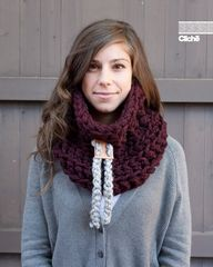 Le Chunky avec glissière en cuir (En Bordeaux) /// The Chunky with leather slider (in Claret), $65