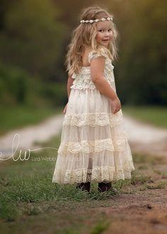 Robe dentelle fillette