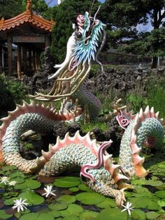 dragon and unicorn - Bing Images Dragon Statue, Dragon Art, Dragon Images, Dragon's Lair, Year Of The Dragon, Dragons, Japanese Dragon, Mythical Creatures, Chinese Art