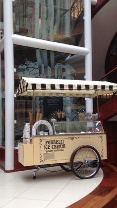 Ice Cream Stand, Ice Cream Cart, Coffee Carts, Coffee Shop, Pizza Station, Foodtrucks Ideas, Mobile Shop Design, World Street Food, Food Cart Design