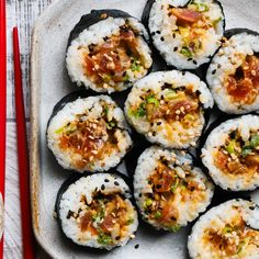 Spicy Tuna Sushi Rolls - - Making sushi at home does not have to be complicated! Just buy the freshest tuna you can find, stir in our Mayo and a few seasonings and dinner is ready! Sushi Roll Recipes, Tuna Recipes, Spicy Recipes, Asian Recipes, Dinner Recipes, Spicy Tuna Sushi, Spicy Tuna Roll, Salmon Sushi, Spicy Crab Sushi Recipe