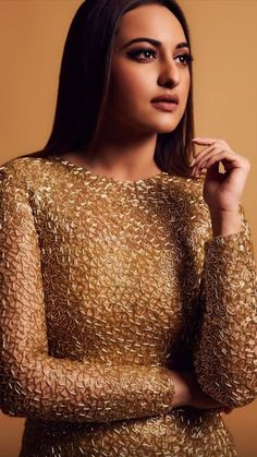 Sonakshi Sinha, Sequin Skirt, Sequins, Skirts, Fashion, Moda, Sequined Skirt, Fashion Styles, Skirt