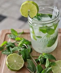"""So I just found out a new mojito recipe that I thought I'd share. It's called the """"French Mojito"""". It consists of Grey Goose Vodka/Muddled Strawberry/Mint/Lime/Lavender Simple Syrup and Champagne. Think Food, Love Food, Summer Drinks, Fun Drinks, Summertime Drinks, Alcoholic Beverages, Beaux Desserts, Mojito Cocktail, Mint Mojito"""