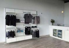 Yoga studio retail spaces 38 Ideas for 2019 Home Dance Studio, Dance Studio Design, Ballet Studio, Dream Studio, Studio Art, Retail Interior Design, Gym Interior, Studio Interior, Fitness Workouts