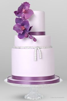 Krishanthi's bespoke wedding cakes creations are distinctive in design and truly delicious in taste, reflection of the occasion itself. Click to view the Gallery.
