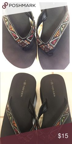 Flippies all the way from Cabo for winter break! ✈️🌈 Perfect flip flops for your fabulous winter break vacay! I got these in Cabo a few years ago because I accidentally packed my shoes for the flight home... There may have been alcohol involved.;) These are size 9 but I think they would be fine for 8-9! Really cute and beachy jewels 💎 on the straps! Minimal wear, maybe 4 times tops. Brandy Melville Shoes Sandals