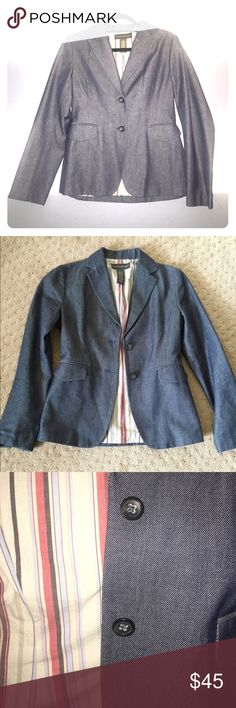 Banana Republic blue blazer jacket denim color Banana Republic fully lined blue blazer jacket denim color. 2 faux pockets and 2 buttons bring closure in front. Shell: 100% cotton lining: 100% acetate.                                                            🔹Condition: excellent.                                            🔹Ready2bstyled: perfect piece to bring modern sophistication to work workplace. Banana Republic Jackets & Coats Blazers