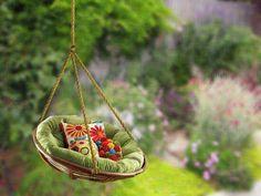 Turn that old papasan chair in a relaxing swing #PapasanChair