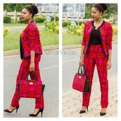 Madame Tete: Abril 2015 African Fashion Ankara, Latest African Fashion Dresses, African Dresses For Women, African Print Fashion, African Attire, African Wear, African Women, African Shirt Dress, Office Attire Women