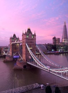 Pink sunrise over Tower Bridge in London London England UK Travel Guide & Tips City Aesthetic, Travel Aesthetic, Pink Tumblr Aesthetic, London England, England Uk, Oxford England, Cornwall England, Yorkshire England, Yorkshire Dales