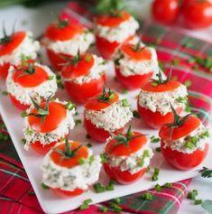 Rosii cherry umplute cu branza si ton Cherry Tomato Recipes, Romanian Food, Food Festival, Antipasto, Caprese Salad, Cherry Tomatoes, Wine Recipes, Italian Recipes, Tapas