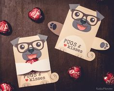 This is an INSTANT DOWNLOAD of a printable PDF of a pug puppy candy holder. They print 2 to a page.  Once you download the file, you can print as