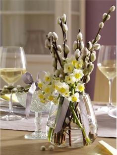 Great idea to spruce up your tables for spring/summer.