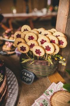 beautiful wedding at Cesky raj / via Originální Svatba 40th Birthday For Women, Birthday Woman, Sweet Bar, Candy Cakes, Wedding Candy, Autumn Wedding, Simple Weddings, Cake Pops, Food And Drink