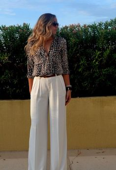 Again loving these wide legs. Like the design of the waistline and pockets