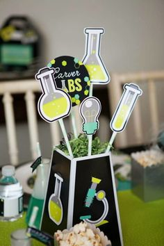 Experimenting with Science Lab Birthday Party ideas? Kara's Party Ideas is THE place for scientific party inspiration. Mad Science Party, Mad Scientist Party, Science Table, Science Ideas, Birthday Party Centerpieces, Birthday Party Tables, 8th Birthday, Birthday Ideas, Table Party