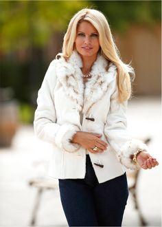 Casaco de camurça e pelo cru encomendar agora na loja on-line bonprix.de  R$ 299,00 a partir de Jaqueta de couro sintético elegante, com aplicação de couro ...