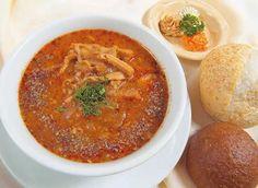 Фляки - традиционное блюдо польской кухни. Блюдо представляет собой густой суп из рубцов.