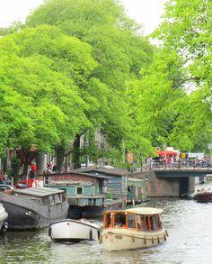 Amsterdam has 2500 houseboats ..