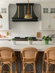 Stunning finish combination here with Antique Steel and Burnished Brass. Montrose range hood by Raw Urth Designs. Wood Deck Designs, New Kitchen Inspiration, Kitchen Vent Hood, Fireplace Surrounds, Black Kitchens, Kitchen Accessories, A Boutique, Kitchen Designs, Kitchen Ideas
