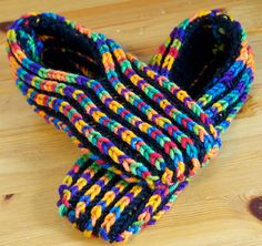 Free Knit Pattern Slippers Bulky Yarn 10 Free Patterns For Crochet Slippers, Free Knitting Pattern For Bulky Yarn Booty Slipper These, Knitting Patterns Galore Simple Man Slippers, Baby Hats Knitting, Knitting Socks, Free Knitting, Knitting Stitches, Knit Slippers Free Pattern, Knitted Slippers, Knitted Hats, Crochet Blanket Patterns, Baby Knitting Patterns