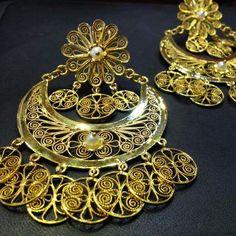 Filigrana en hilo de oro de 14k Mexico Fashion, Mexican Jewelry, Bangles, Bracelets, Filigree, Diana, Jewlery, Vintage Jewelry, Hoop Earrings