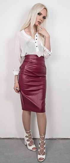 Leather rok.
