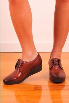 Keep your heels warms in high quality, stable fresh leather from The Horse