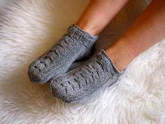 Life with Mari: Nilkkasukat Fingerless Gloves, Arm Warmers, Slippers, Knitting, Life, Fashion, Fingerless Mitts, Moda, Cuffs