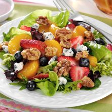 Mixed Greens with Fruit & Honey-Glazed Walnuts | Fisher Nuts