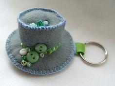 Hat keyring