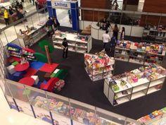 Até o dia 25 de agosto, o público poderá conferir a Feira do Livro da Leitura, no Goiânia Shopping. São mais de cinco mil títulos de obras literárias de diversas classificações. Saiba mais sobre a programação no site www.arrozdefyesta.net.