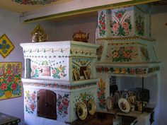 An extraordinary village in Poland where an entire village is dedicated to folk art painting of all their homes and they have preserved them all. In fact, they paint these wonderful florals on everthing! Zalipie: Poland's Painted Village ~ Kuriositas Colorful Flowers, Vibrant Colors, Polish Folk Art, Wooden Cottage, Glass Building, Arte Country, Five Star Hotel, Corpus Christi, Most Beautiful