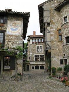 Peroges, France