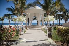 Lux and Beachy wedding setup by Linen, Things and More at Hyatt Ziva Los Cabos http://www.annagomesphoto.com/