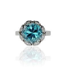 Daimond Ring Whitegold with blue Zirkon Diamantring Weissgold mit 6,8ct blauem Zirkon, 0,293ct Diamanten