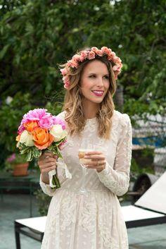 cabelo noiva com coroa de flores