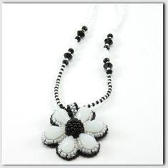Flor Necklace