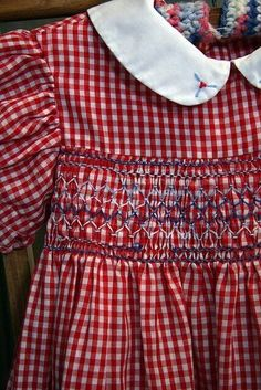 Smocked dresses (I remember some were Polly Flinders) Ok, maybe my daughter wasn;t crazy about Polly Flinders but I sure was. I LOVE the smocking! Red Gingham, Gingham Check, Gingham Dress, My Childhood Memories, Sweet Memories, Punto Smok, Red Cottage, Mini Vestidos, Heirloom Sewing