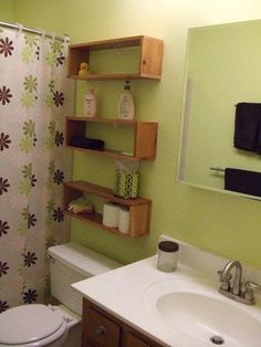 Kids bathroom ideas: DIY Design Community Great storage idea without blocking access to toilet tank or looking too bulky for small bathroom Diy Design, Interior Design, Design Ideas, Ideas Baños, Ideas Para, Bathroom Storage, Cd Storage, Storage Ideas, Easy Storage