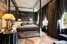 Boutique Hotel Trailblazer Anouska Hempel Is Back at It — 1stdibs Introspective