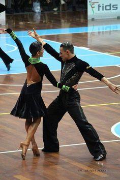 Vladislav Khait e Ilenia Mancuso #RossoLatino #Testimonial #danceshoes #passion