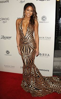To sum it up, singer Cassie Ventura basically stuns at the L. premiere of The Perfect Match in a Stello gown with a plunging neckline and a low-cut back. Go for the gold, girl! Metallic Mess from Fashion Police Low Cut Black Dress, Cassie Ventura, Dress Skirt, Dress Up, Portraits, Black Girl Fashion, Celebrity Look, Celebrity Gowns, Red Carpet Looks