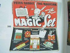 Zauberkasten, Peter Rabbit theMagician in Langenthal von amali02 kaufen bei ricardo.ch Peter Rabbit, Magic Sets, Ox, The Magicians, Objects, Antiques, Vintage, Antique Toys, Kunst