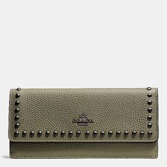 Soft Wallet in Lacquer Rivets Pebble Leather