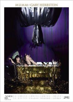 En el mes de Noviembre: Jazmín Stuart.  La reconocieron? Una celebración íntima en su bañera dorada // Calendario Mumm 2013 + Gaby Herbstein